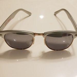 BETSEY JOHNSON silver mirrored sunglasses